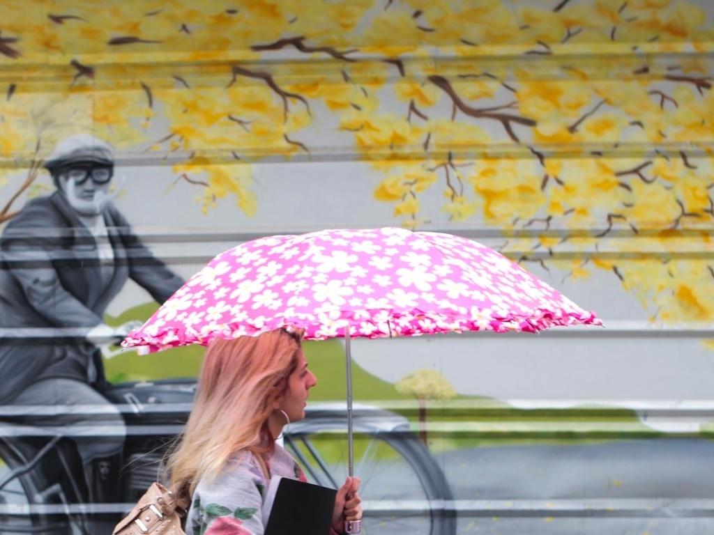 15.mai.2012 - São Paulo amanheceu com chuva e frio na manhã desta segunda