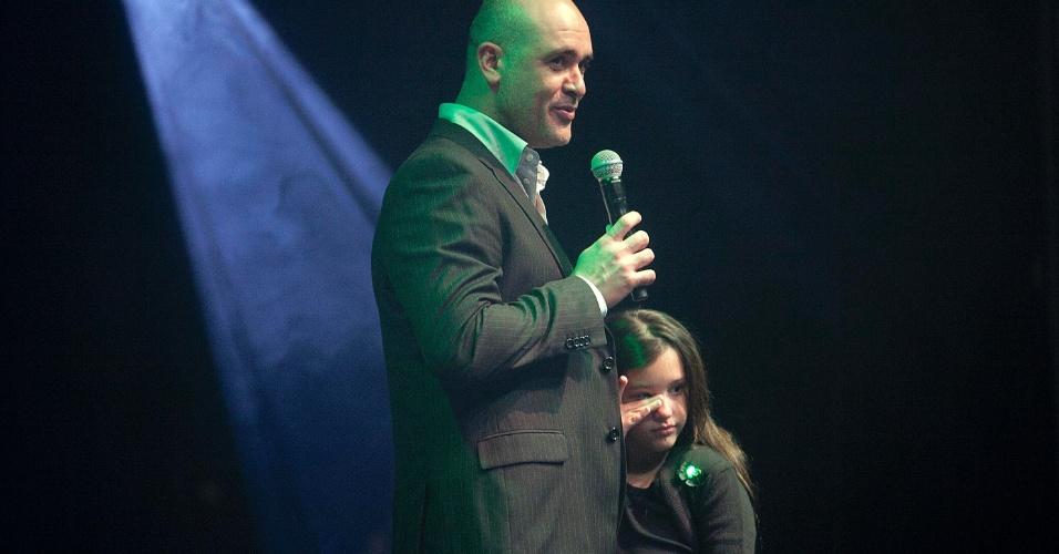 Ex-goleiro Marcos discursa após receber homenagem durante premiação dos melhores jogadores do Paulistão