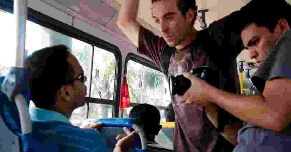 15.mai.2012 - Com um foco social, Leo Lima, morador da favela do Jacarezinho, na zona norte do Rio de Janeiro, fotografa o cotidiano de moradores em comunidades cariocas - Ingrid Cristina/Divulgação Imagens do Povo