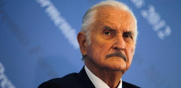 Foto de arquivo do escritor mexicano Carlos Fuentes, que morreu aos 83 anos em um hospital na Cidade do México devido a problemas cardíacos - Tomas Bravo/Files/Reuters