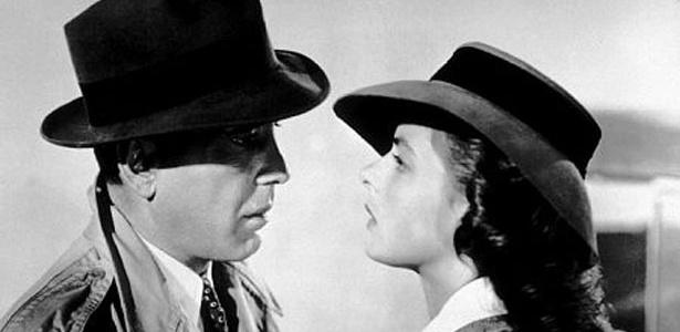 "Humphrey Bogart e Ingrid Bergman em cena de ""Casablanca"""