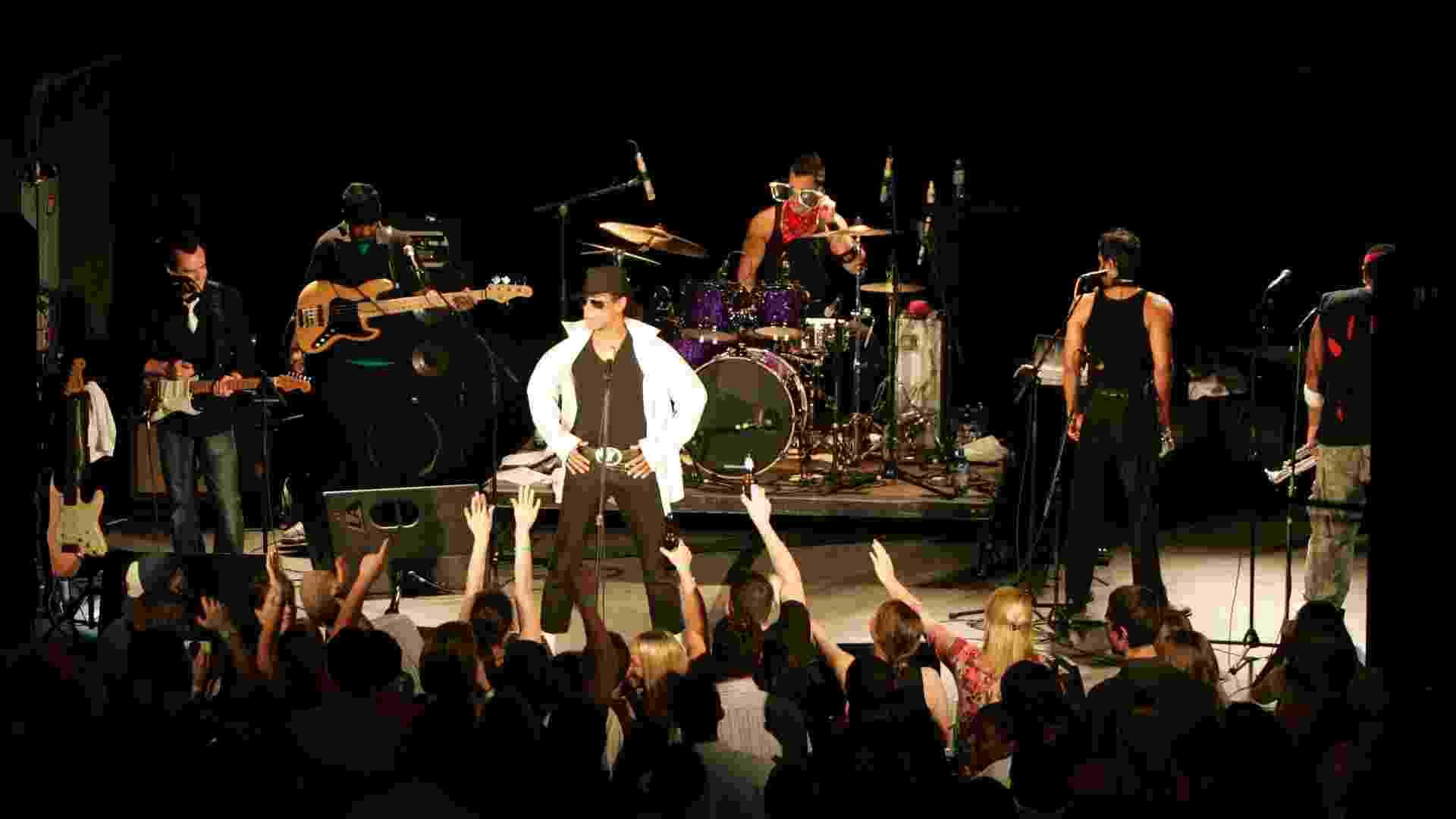 """Elenco apresenta espetáculo """"Who's Bad"""" com repertório que passa por toda a carreira do cantor Michael Jackson - Divulgação"""