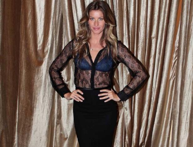 Gisele Bündchen posa no lançamento de sua coleção de lingerie na inauguração da loja conceito da marca Hope no bairro dos Jardins, em São Paulo (15/5/2012) - AgNews