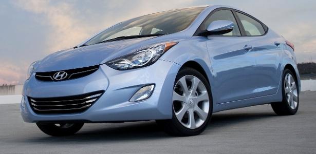 Hyundai Elantra é um dos modelos afetados por problemas na luz de freio e no piloto automático - Divulgação