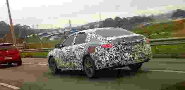 Nissan Altima 2013 trafega a toda por rodovias da Grande São Paulo (SP): te cuida, Ford - Demilson Defácio/UOL