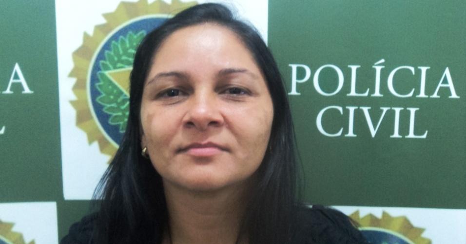 """16.mai.2012 - Marlúcia Rodrigues Moreira, 37, a popular """"Tiazinha da Rocinha"""", foi presa pela Polícia Civil do Rio em favela da zona sul da cidade"""
