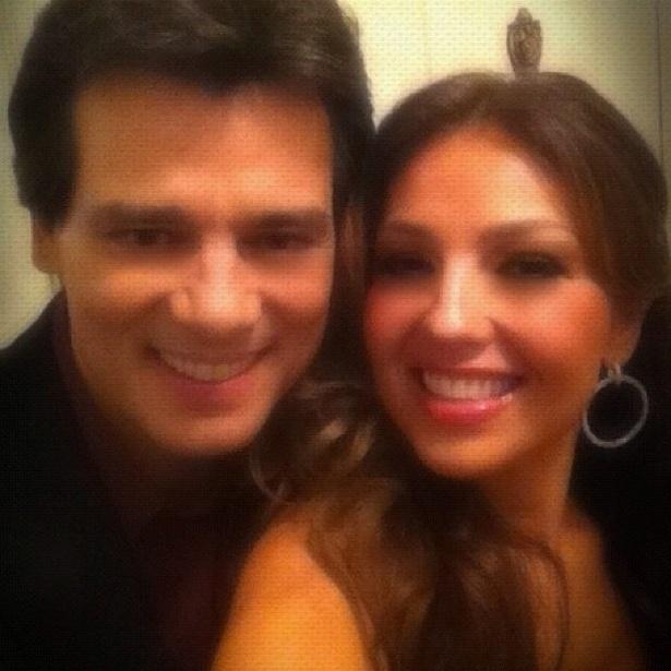 Atriz e cantora Thalia publica foto ao lado do apresentador Celso Portiolli (15/5/12)