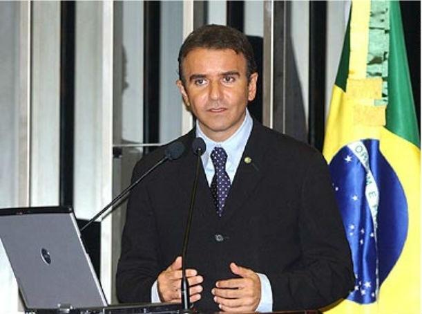 17.mai.2012 - Eduardo Siqueira Campos (PSDB), filho do governador do Tocantis, Siqueira Campos (PSDB), é outro nome citado por Carlinhos Cachoeira nas escutas feitas pela PF