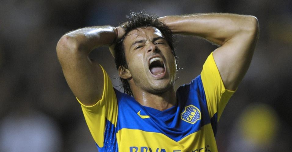 Dario Cvitanich, do Boca Juniors, lamenta chance desperdiçada na partida contra o Fluminense