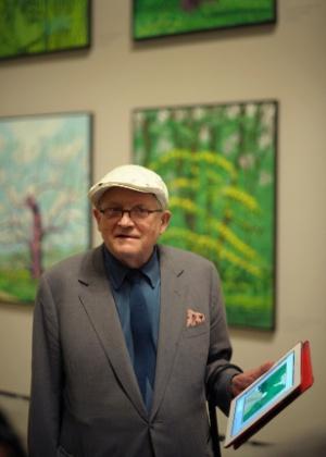 O pintor britânico David Hockney expõe algumas de suas obras - Vincent West/Reuters