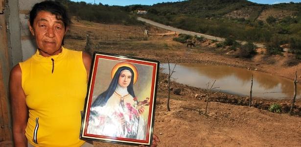 Contra a seca, sertanejo aposta na fé - Beto Macário/UOL