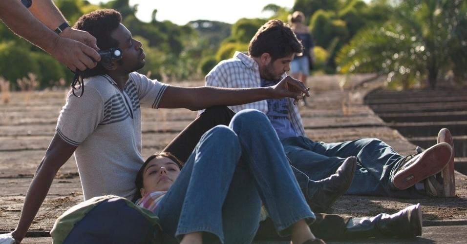 """Fabrício de Boliveira, o João de Santo Cristo, e Isis Valverde, como Maria Lúcia, em cena do filme """"Faroeste Caboclo"""" (2011)"""
