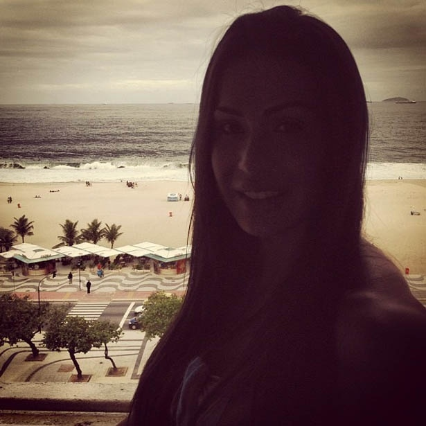 Gracyanne Barbosa divulga foto no Copacabana Palace (18/5/2012)
