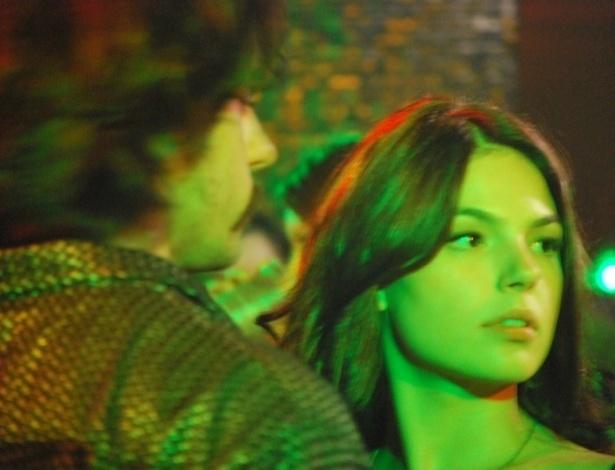 """Ísis Valverde, como Maria Lúcia e Felipe Abib, como Jeremias em cena do filme """"Faroeste Caboclo"""", dirigido por René Sampaio e previsto para estrear em 11 de outubro (2011)"""
