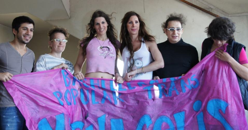 Na Mocha Celis, entre outros assuntos, são discutidas as razões para a existência de travestis e transexuais: como a questão é vista pela biologia, sociologia e psicologia?