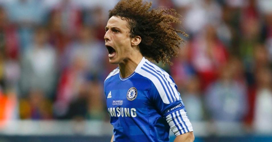 David Luiz comemora gol do Chelsea nas cobranças de pênalti contra o Bayern