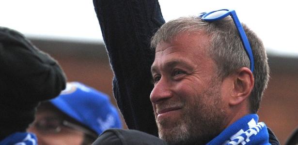 Roman Abramovich, dono do Chelsea e próximo de Vladimir Putin, seria um dos principais alvos da postura mais rígida prometida pela primeira-ministra Theresa May