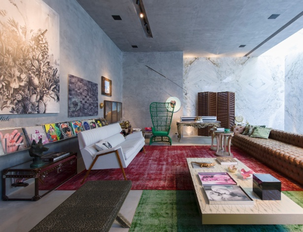 O arquiteto e designer Guilherme Torres assina o Living Contemporâneo da 2ª edição da Mostra Black - Kátia Kuwabara/ UOL