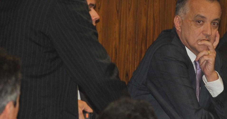 22.mai.2012 - Bicheiro Carlos Augusto Ramos, o Carlinhos Cachoeira, afirma na tarde desta terça-feira (22) que ficará calado no Congresso durante CPI que investiga há um mês suas supostas relações com parlamentares e outros agentes públicos, afirmou como já era esperado