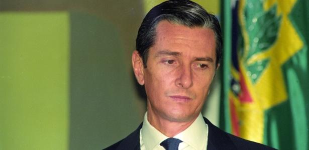 Já na iminência de sofrer impeachment, Collor participa da cerimônia de lançamento do Programa Nacional de Telecomunicações Rurais, no Palácio do Planalto, em setembro de 1992