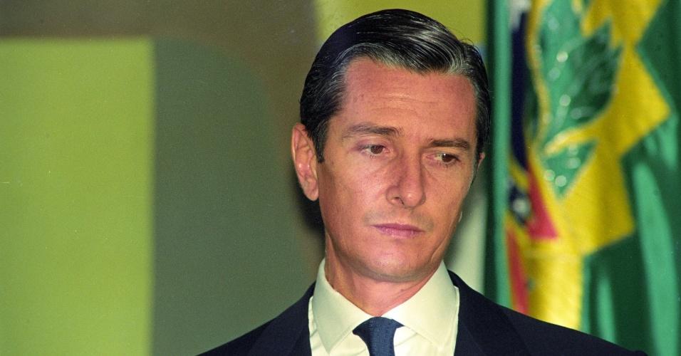 22.mai.2012 - Já na iminência de sofrer impeachment, Collor participa da cerimônia de lançamento do Programa Nacional de Telecomunicações Rurais, no Palácio do Planalto, em setembro de 1992