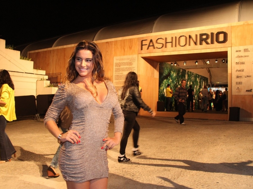 A ex-BBB Laisa prestigia a edição Verão 2013 do Fashion Rio (22/5/12). O evento de moda acontece no Jockey Club, zona sul do Rio