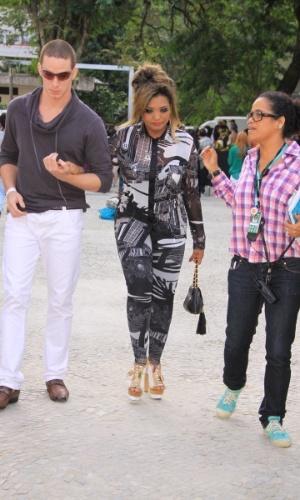Gaby Amarantos prestigia a edição Verão 2013 do Fashion Rio (22/5/12). O evento de moda acontece no Jockey Club, zona sul do Rio