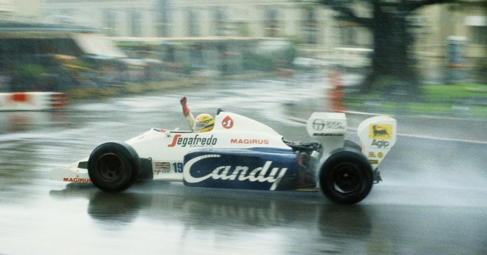 Ayrton Senna guia sua Toleman no Grande Prêmio de Mônaco de 1984
