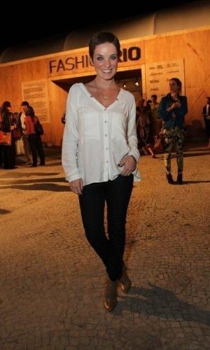 Bruna Di Tullio confere o segundo dia de desfiles do Fashion Rio (23/5/12). O evento de moda acontece no Jockey Club, zona sul do Rio