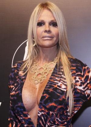 """Monique Evans, que participou das edições 3 e 4 de """"A Fazenda"""" na festa da revista """"Vip"""", no Rio de Janeiro (27/10/11)"""
