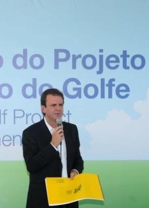 Prefeito Eduardo Paes no anúncio da construção do campo de golfe da Olimpíada de 2016