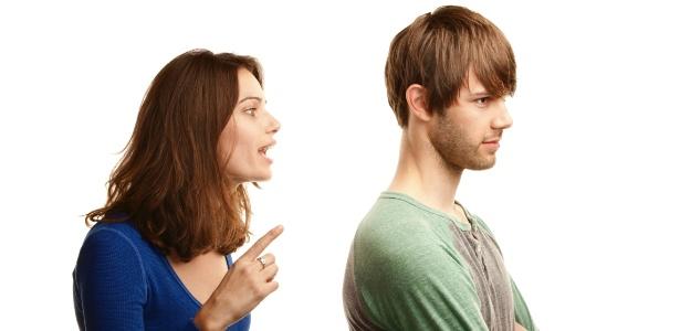 Reclamar demais pode levar a brigas com o parceiro, além de afastar pessoas - Thinkstock