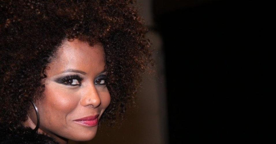 Adriana Bombom confere o terceiro dia de desfiles do Fashion Rio (24/5/12). O evento de moda acontece no Jockey Club, zona sul do Rio