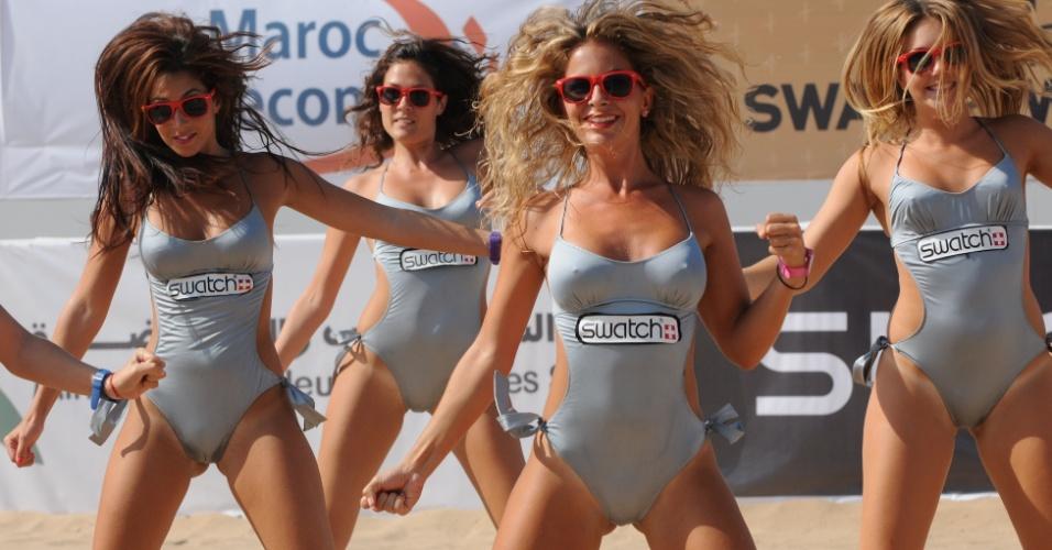 Cheerleaders animam intervalo da partida em etapa no Marrocos