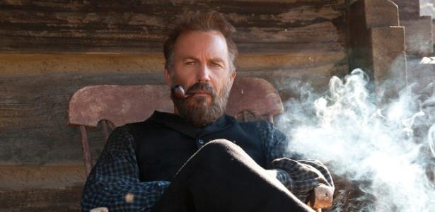"""Imagem de Kevin Costner em """"Hatfields & McCoys"""", série gravada na Romênia - Divulgação"""