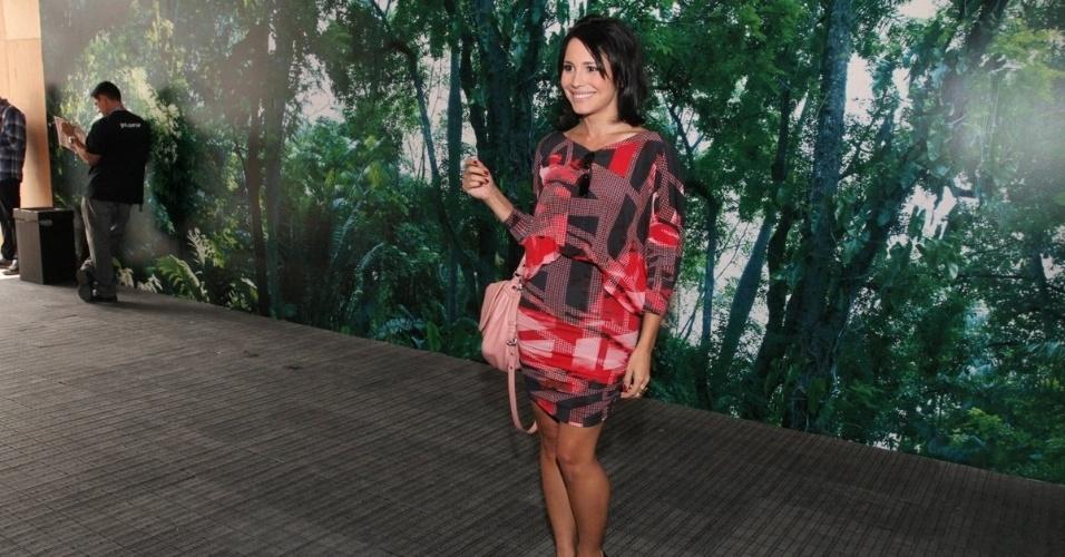 Juliana Knust confere o terceiro dia de desfiles do Fashion Rio (24/5/12). O evento de moda acontece no Jockey Club, zona sul do Rio