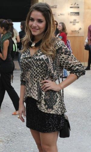 Monique Alfradique confere o terceiro dia de desfiles do Fashion Rio (24/5/12). O evento de moda acontece no Jockey Club, zona sul do Rio