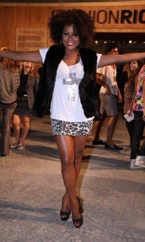 Sabrina Parlatore confere o terceiro dia de desfiles do Fashion Rio (24/5/12). O evento de moda acontece no Jockey Club, zona sul do Rio