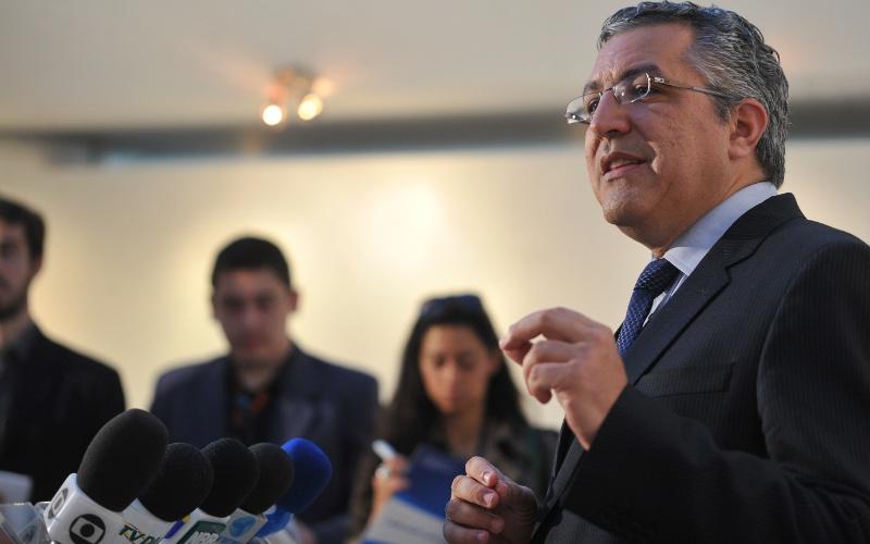 25.mai.2012 - O ministro da Saúde, Alexandre Padilha, apresenta nesta sexta-feira (25), em Brasília (DF), os dados mais recentes sobre  mortalidade materna no Brasil, além dos avanços da estratégia do programa Rede Cegonha, lançada em 2011