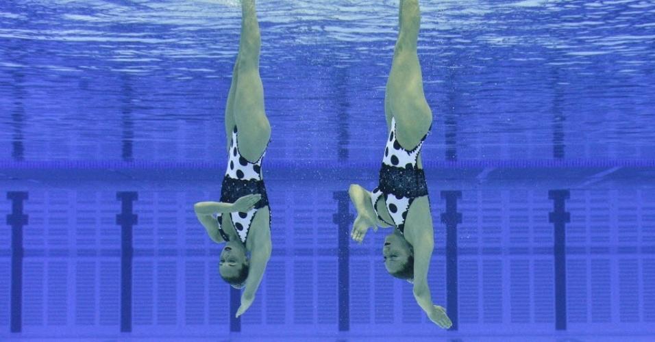 As espanholas Ona Carbonell e Andrea Fuentes durante a prova do dueto de nado sincronizado em evento-teste para Olimpíada de Londres