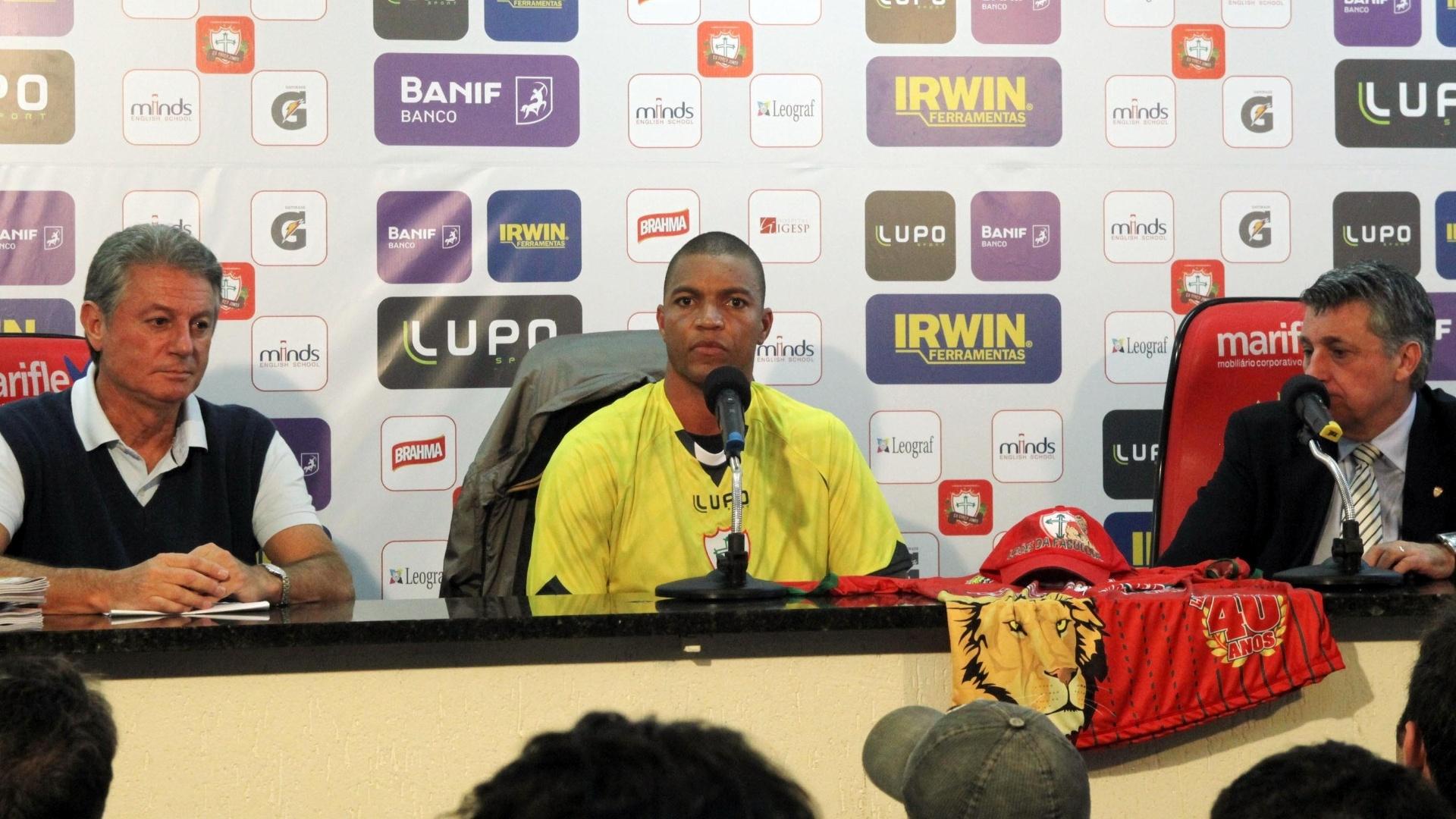 Contratado pela Portuguesa, o goleiro Dida durante apresentação para imprensa nesta sexta-feira