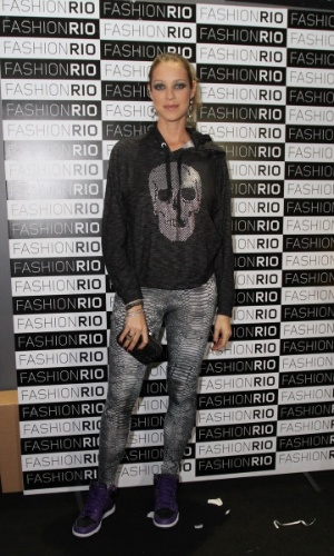 Luana Piovani no Fashion Rio 2013 (24/5/12)
