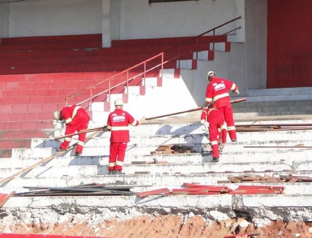Obras do estádio Beira-Rio do Inter visando a Copa do Mundo de 2014 (25/05/2012)