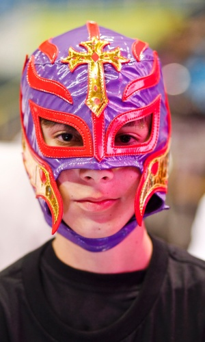 Torcedor de máscara no WWE no Brasil