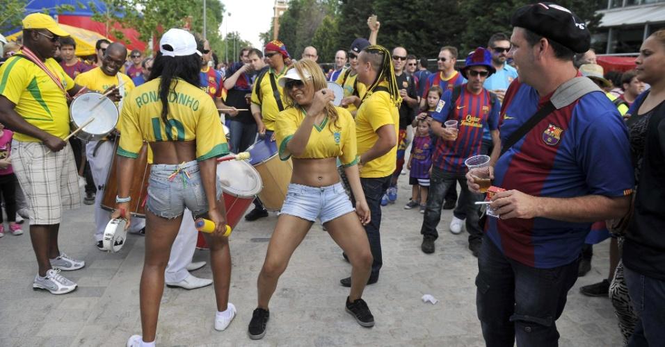 Torcedores do Barcelona fazem festa no Matedero de Madrid antes da partida contra o Atheltic Bilbao