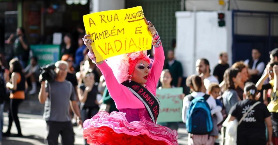 A Marcha das Vadias passou pela avenida Paulista e desceu a rua Augusta, em São Paulo, em defesa dos direitos das mulheres