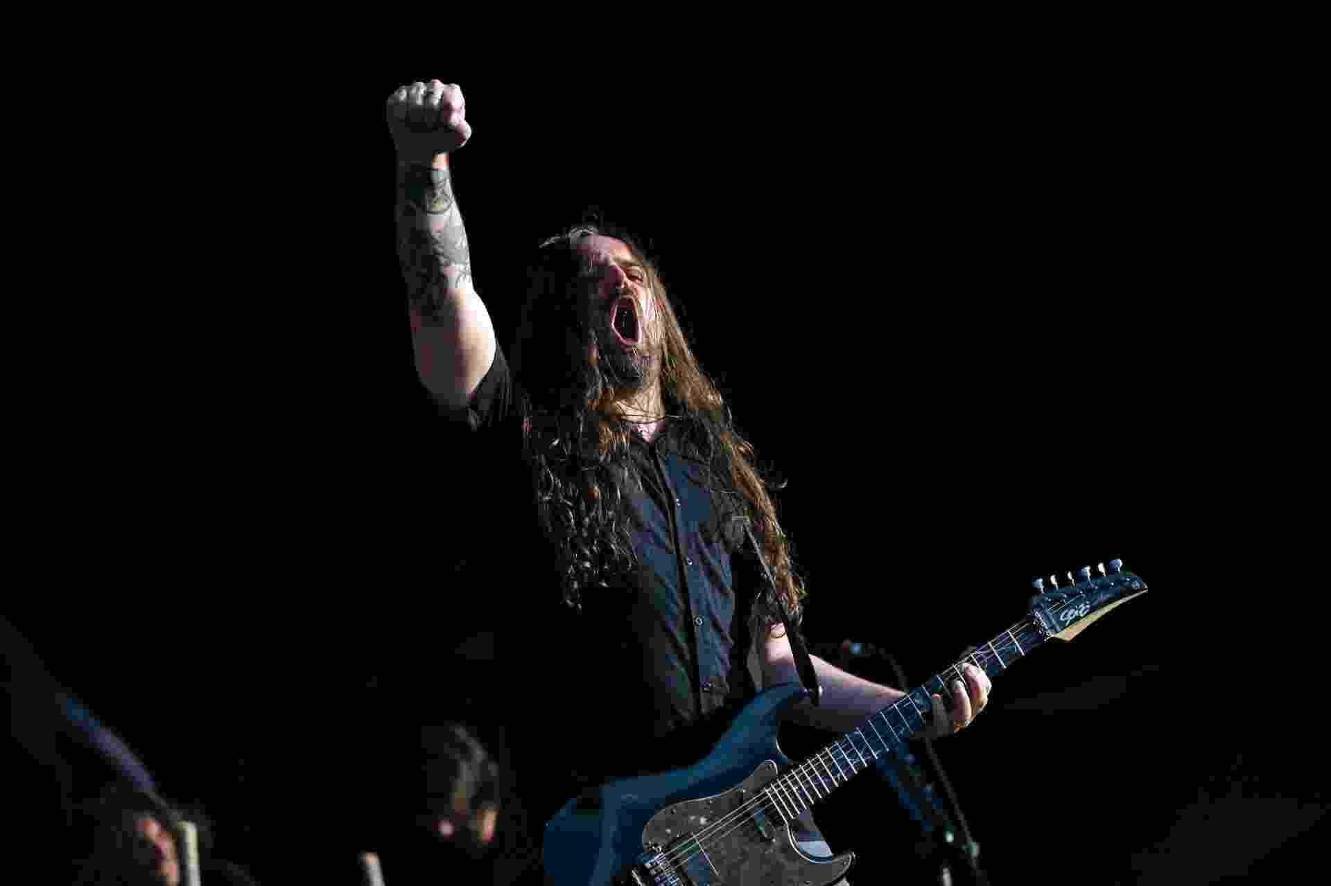 Andreas Kisser se apresenta com o Sepultura no Rock In Rio Lisboa (25/5/12) - Rafael Marchante/Reuters