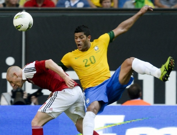 Hulk se enrosca com o dinamarquês Niki Zimling