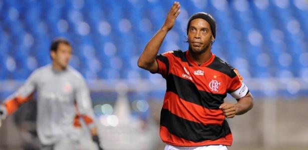 Flamengo encerra dívida de R 17 milhões com Ronaldinho Gaúcho