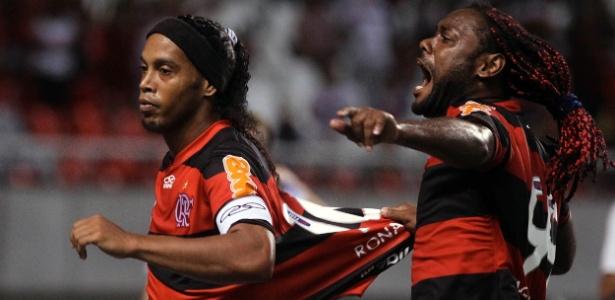 Ronaldinho Gaúcho marcou o primeiro do Fla, mas foi substituído pela 1ª vez por Joel